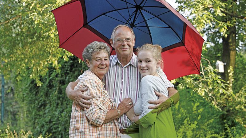 Bauverein Ketteler Münster Familie mit Sonnenschirm